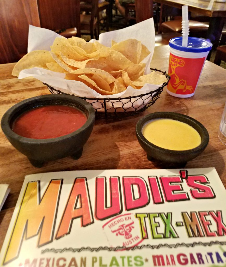 Maudies queso
